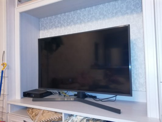 Samsung UE43RU7400U 43 (2019)