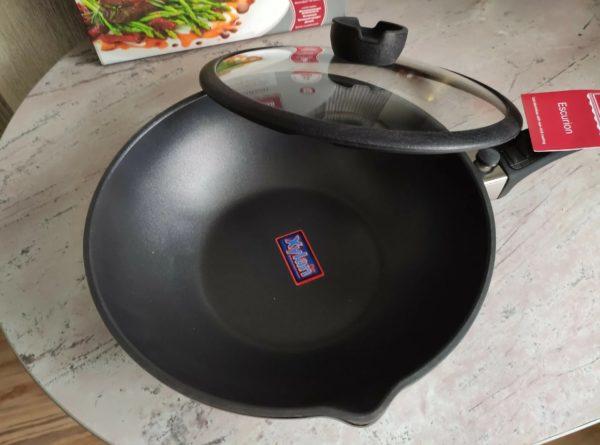 Сковорода-вок Rondell Escurion RDA-870 28 см с крышкой, съемная ручка