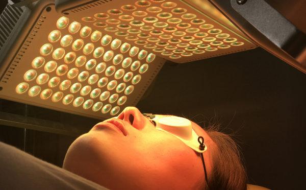 Рейтинг лучших LED-аппаратов для омоложения кожи 2021